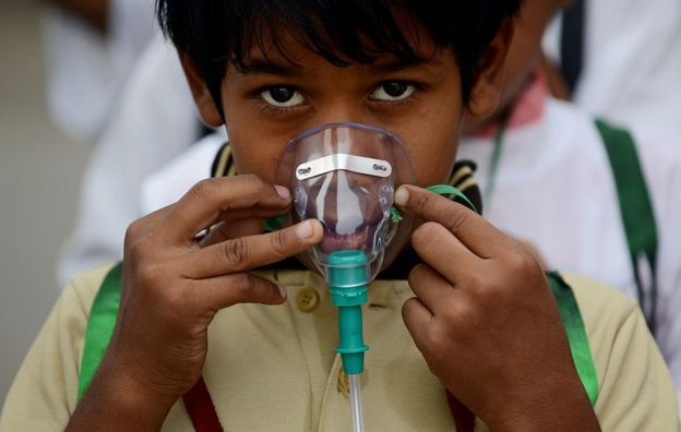 Children are among the worst affected by air pollution. Image copyright: AFP