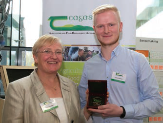 DR HELEN GROGAN WITH EOIN O'CONNOR AFTER RECEIVING HIS TEAGASC RDS GOLD MEDAL