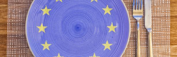 a plate with the Eu flag